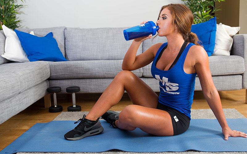 Прием сывороточного протеина после тренировки